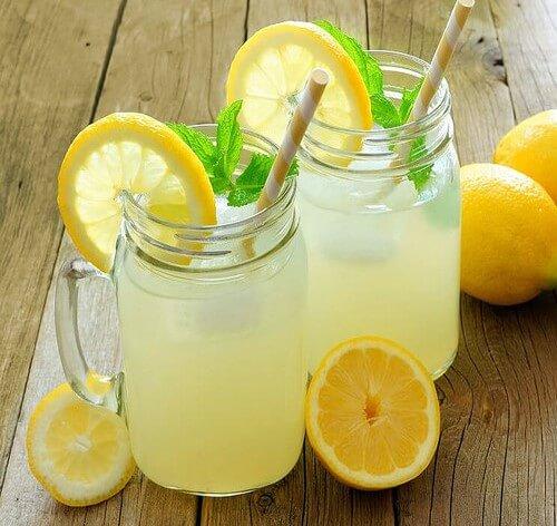 ¿Cómo debes tomar el limón?