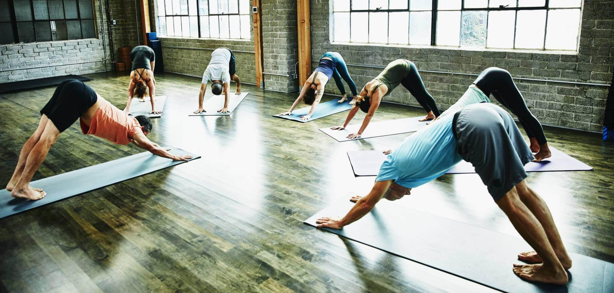 Destapando el mito de perder peso con el yoga