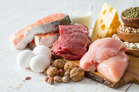 ¿Cómo se realiza una dieta rica en proteínas?